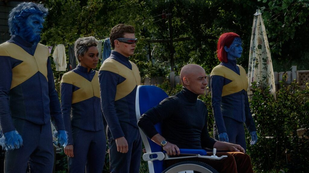 Nicholas Hoult, Alexandra Shipp, Tye Sheridan, James McAvoy and Jennifer Lawrence in Dark Phoenix